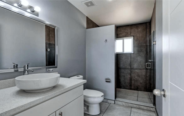 Elegant Oceanfront Home Master Bath