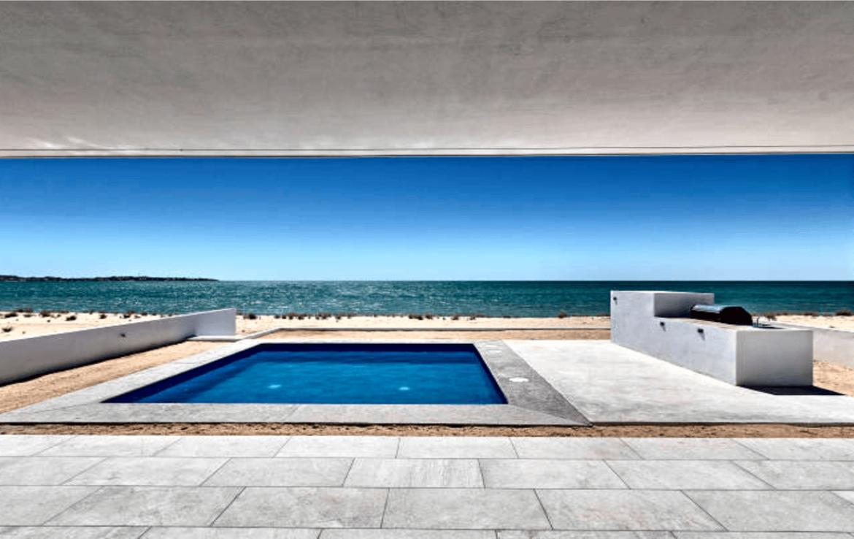 Elegant Oceanfront Home Patio