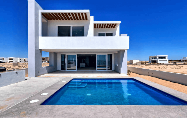 Elegant Oceanfront Home Pool 2