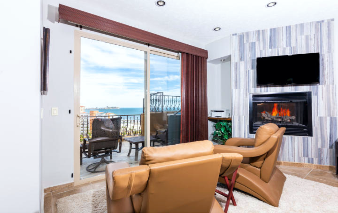 Completely Remodeled Seaside Luxury Penthouse 6