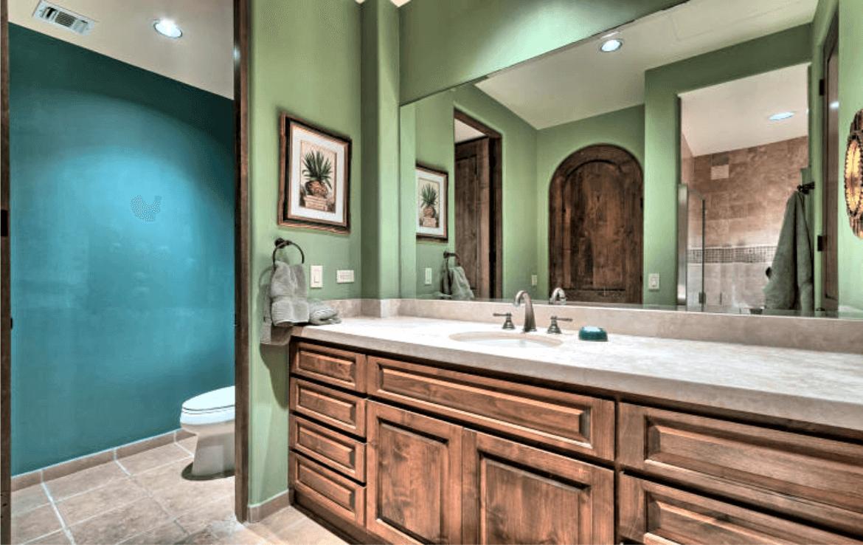 Condo With Stunning Ocean Views Bathroom