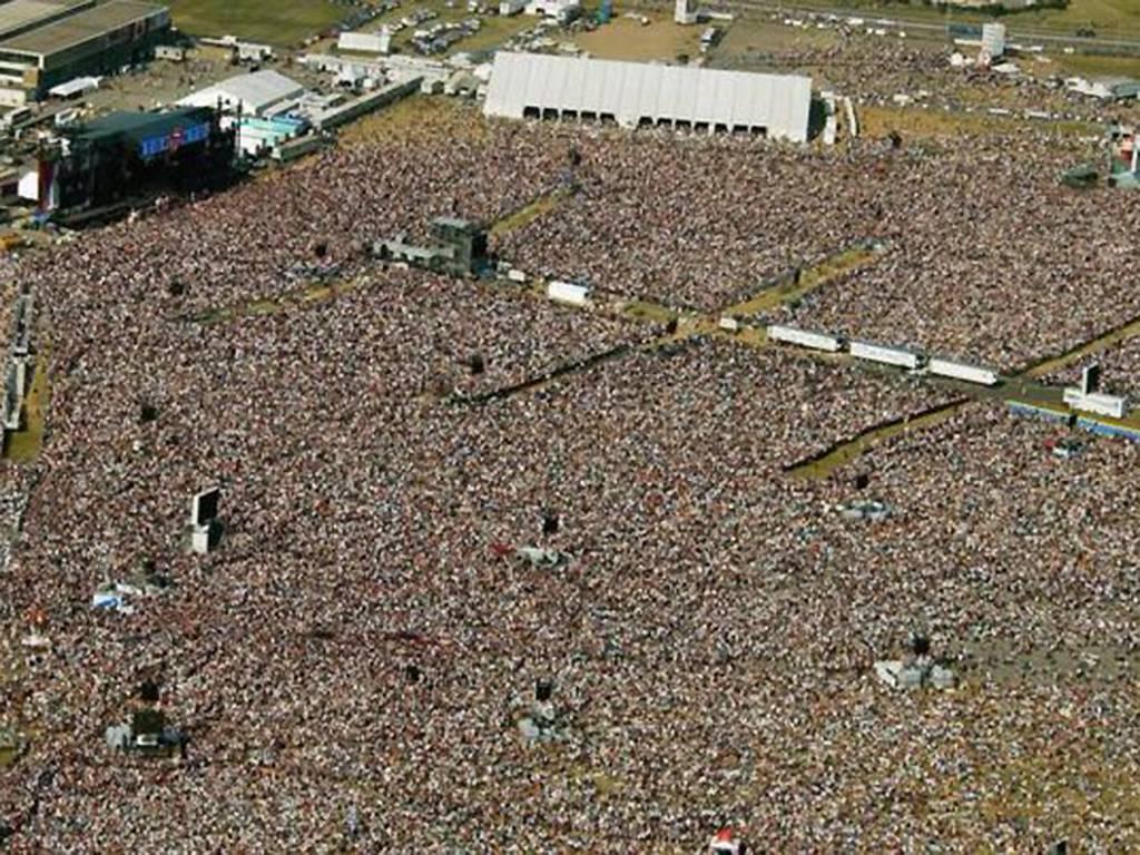 SARS Concert Crowd