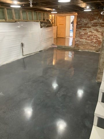 Stained and polished to 1500 grit. Basement in Woodstock, VT