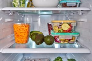fridge clear Tupperware vegetables