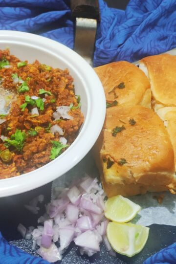 chicken keema pav
