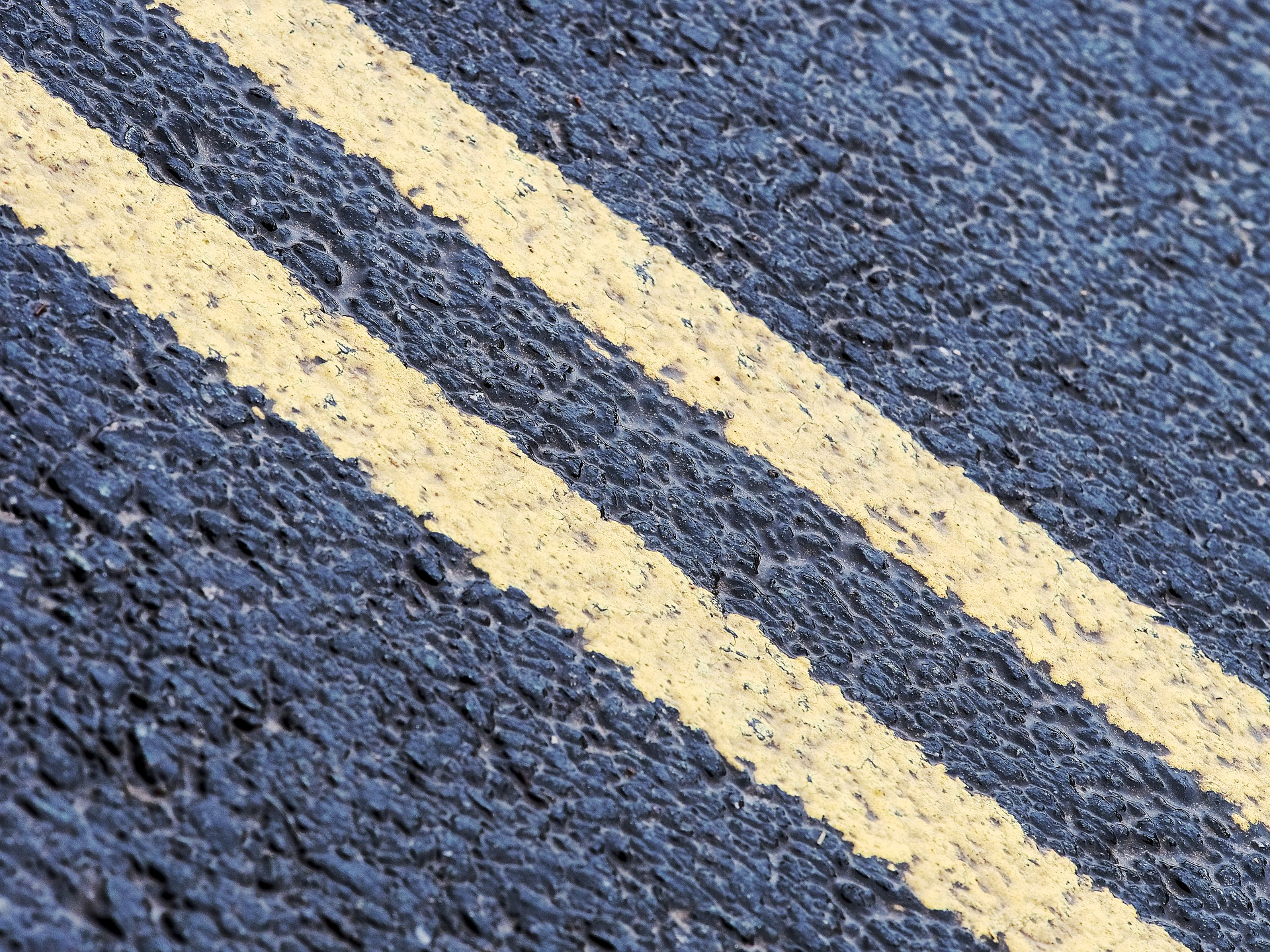 commercial parking lot restriping