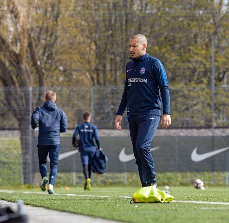 futebol na estonia Bruno Caprioli treino