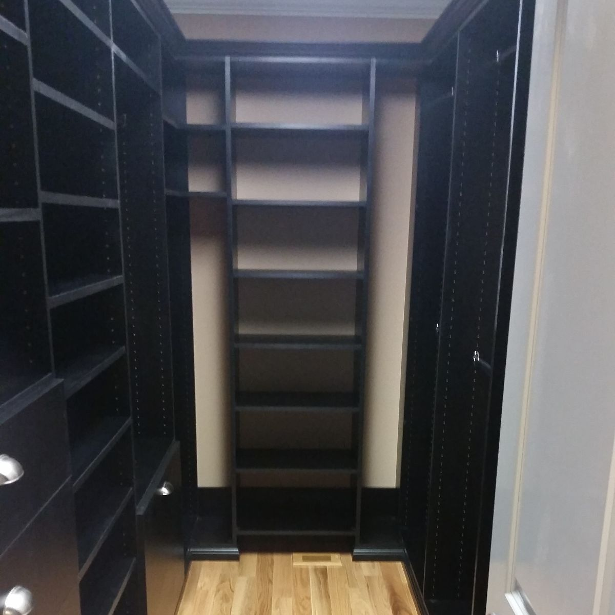Chattanooga Custom Walk-In Closets