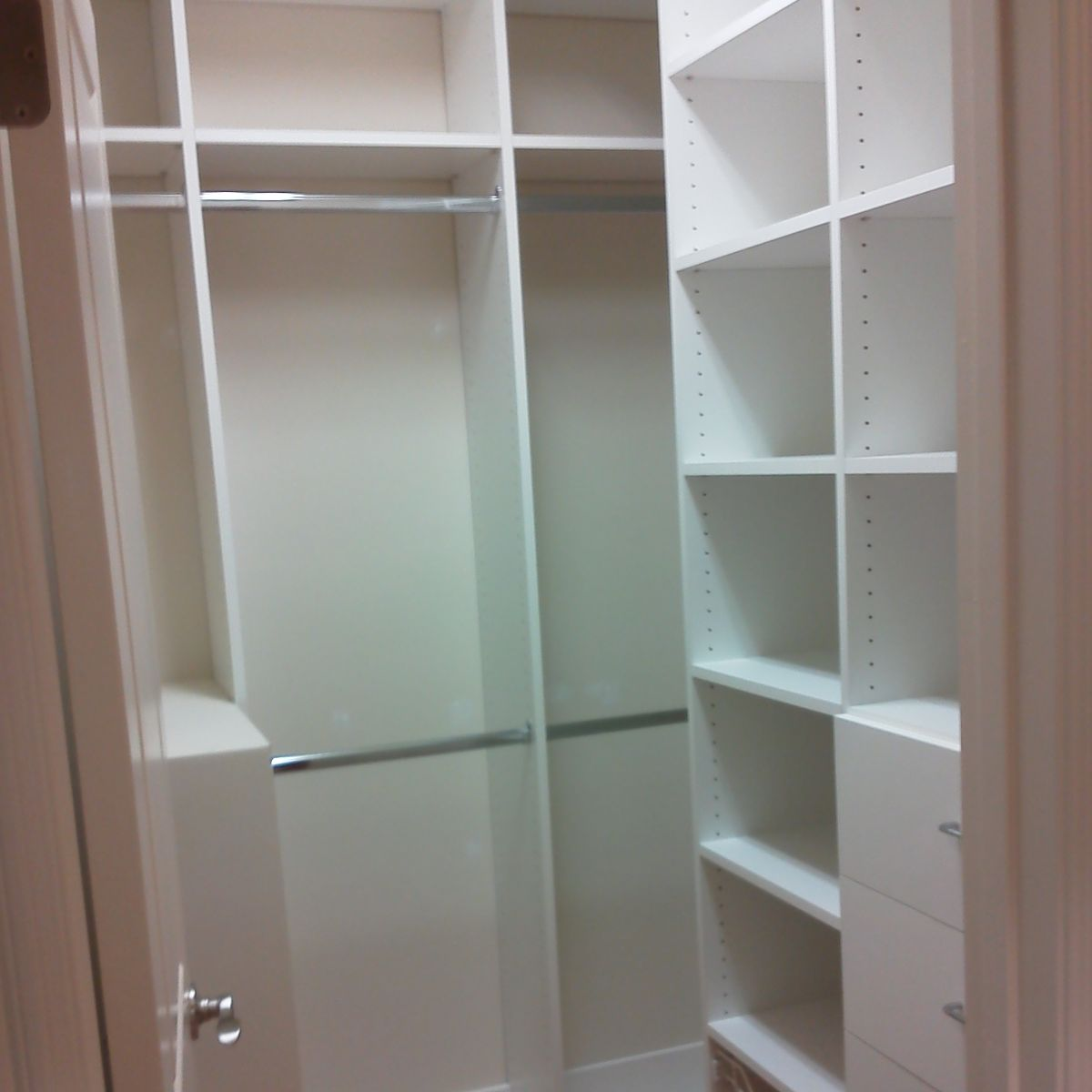 Custom Design Walk-In Closets Chattanooga