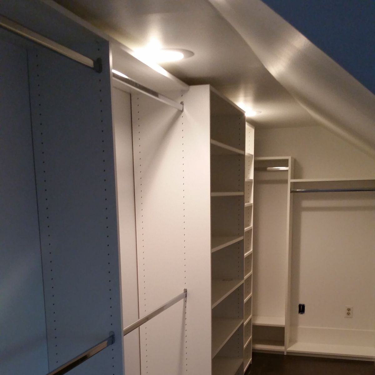 Custom Walk-In Closets Chattanooga