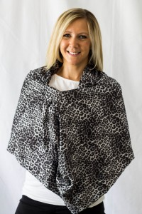 SHOLDIT Pocketed Nursing Scarf Safari print