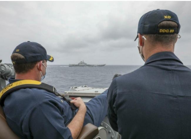"""美国海军像看玩具一样笑看中共""""辽宁号""""航母"""
