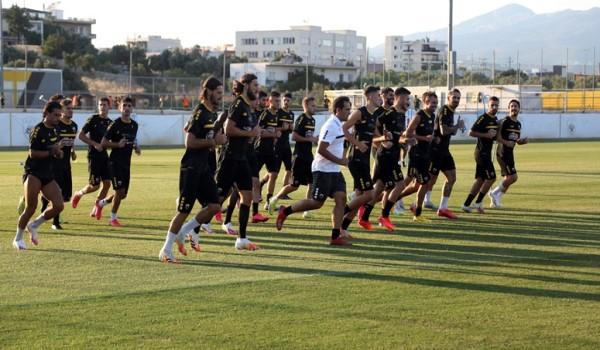 Επέλεξε 33 ποδοσφαιριστές ο Καρέρα για τη φετινή προετοιμασία