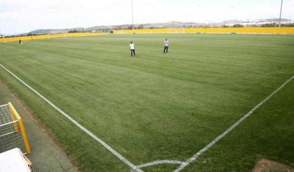 Γήπεδο προδιαγραφών UEFA και 5.000 θέσεων στα Σπάτα