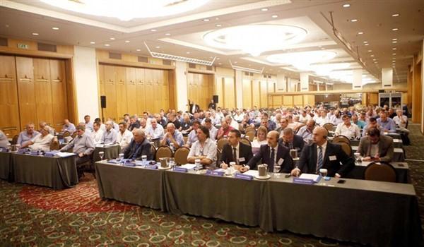 Επίθεση από 40 Ενώσεις σε Αυγενάκη για μεθοδεύσεις και άλωση της ΕΠΟ