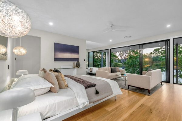 modern house brisbane-master bedroom