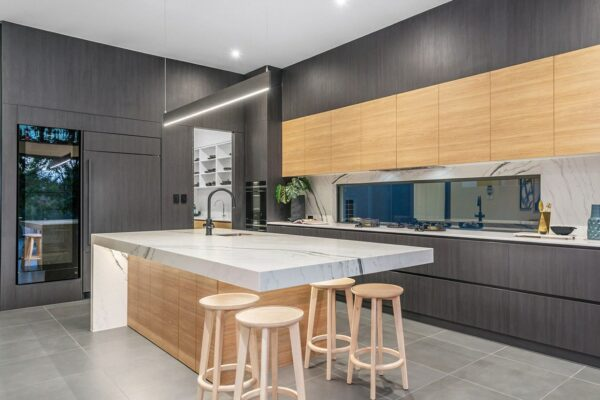 modern house brisbane - kitchen