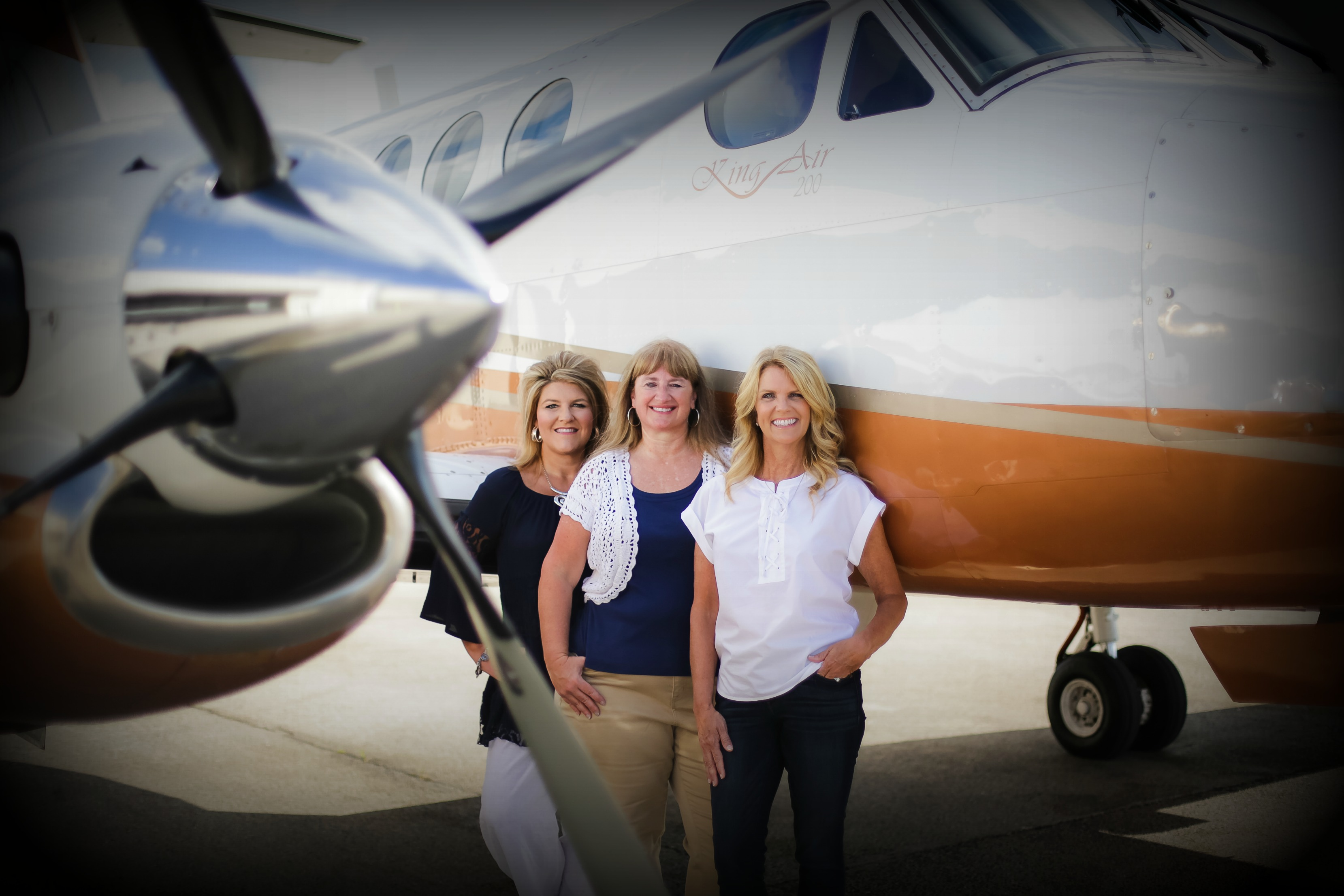 Some of our agents waiting to help you with an awesome vacation!