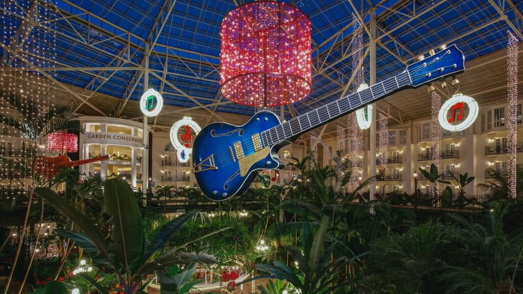 A romantic Christmas getaway at Opryland
