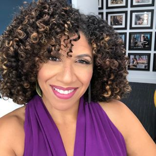 """56: Damona Hoffman – Host of Dates & Mates: """"Love As You Are!"""""""