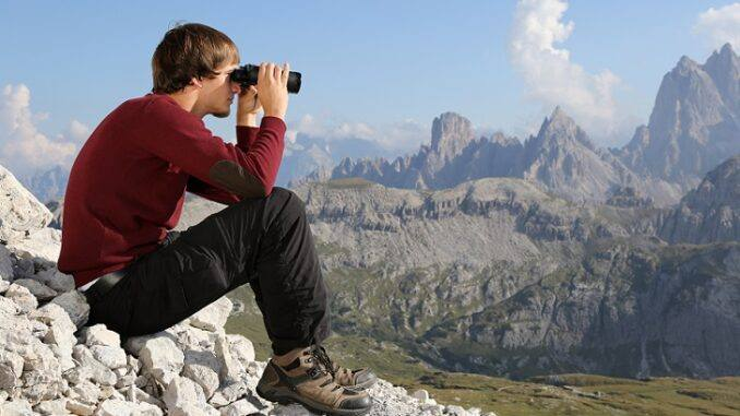 The 7 Best Compact Binoculars - [2021 Reviews]   Outside Pursuits