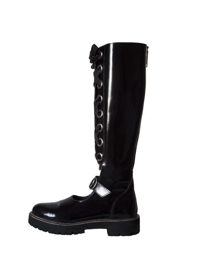 boot outsde