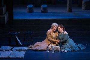 Sondra Radvanovsky (Norma) and Elizabeth DeShong (Adalgisa) in Norma at the Lyric Opera of chicago