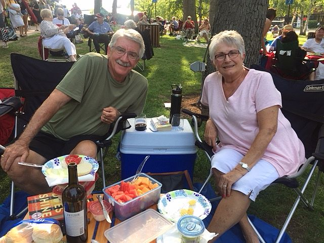Pingree music lovers Joe and Trish like to listen to Ravinia programs while picnicking on the grounds. (JJacobs photo)