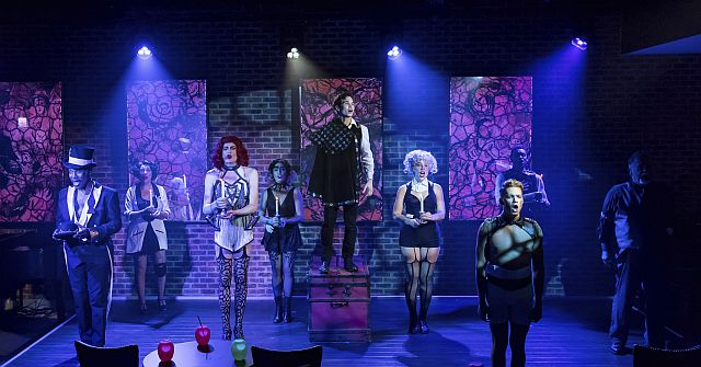 Cast of Pippin at Mercury Theater Chicago (Photo by Brett Beiner)