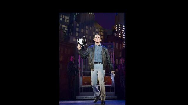 Santino Fontana in 'Tootsie' at the Cadillac Palace Theatre. (Julieta Cervantes photo)