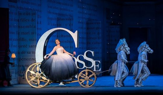 Siobhan Stagg in Cendrillon at the Lyric Opera