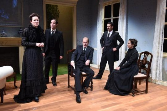Cast of Howard's End, a Remy Bumppo production at Theater Wit