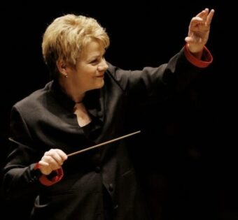 Marin Alsop assumes new Ravinia Festival conductor/curator position. (Photo Grant Leighton)