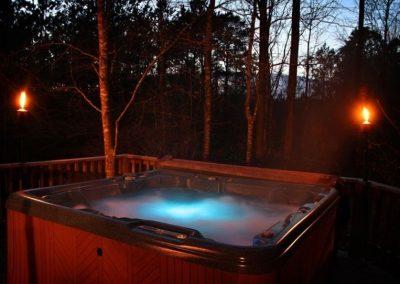 hot-tub-romantic-night