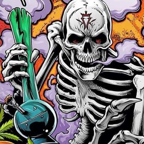 skeleton bong hits