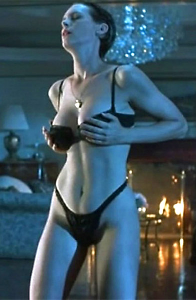 jamie lee curtis in true lies bikini