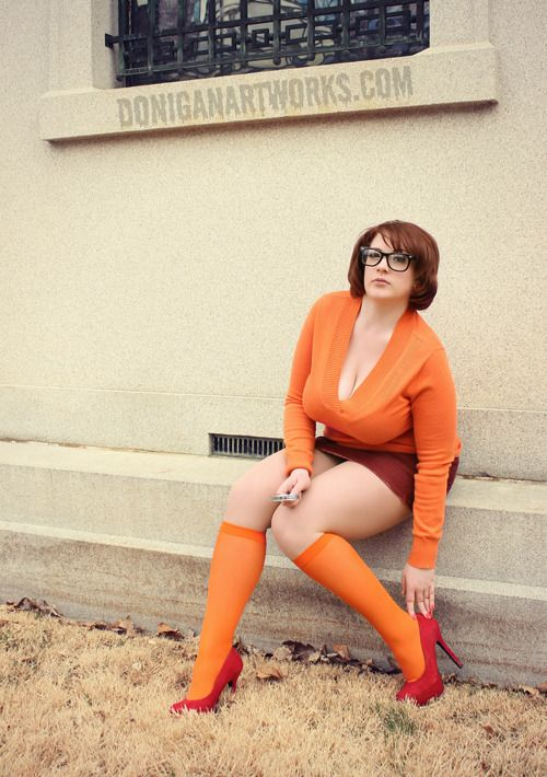 cosplay busty velma orange glasses