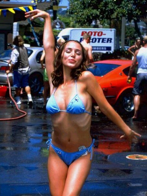 eliza dushka bring it on car wash