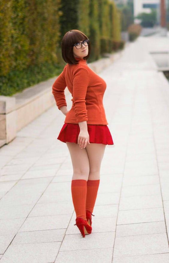 sexy velma busty hot legs
