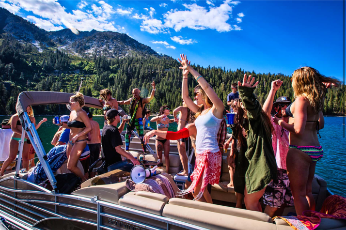 raging lake party boat