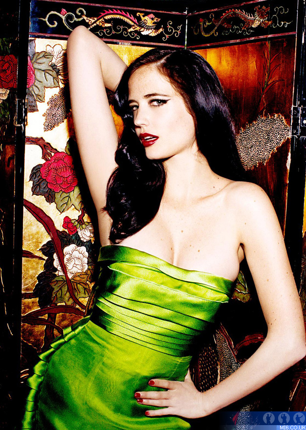 eva green in green star of dumbo movie