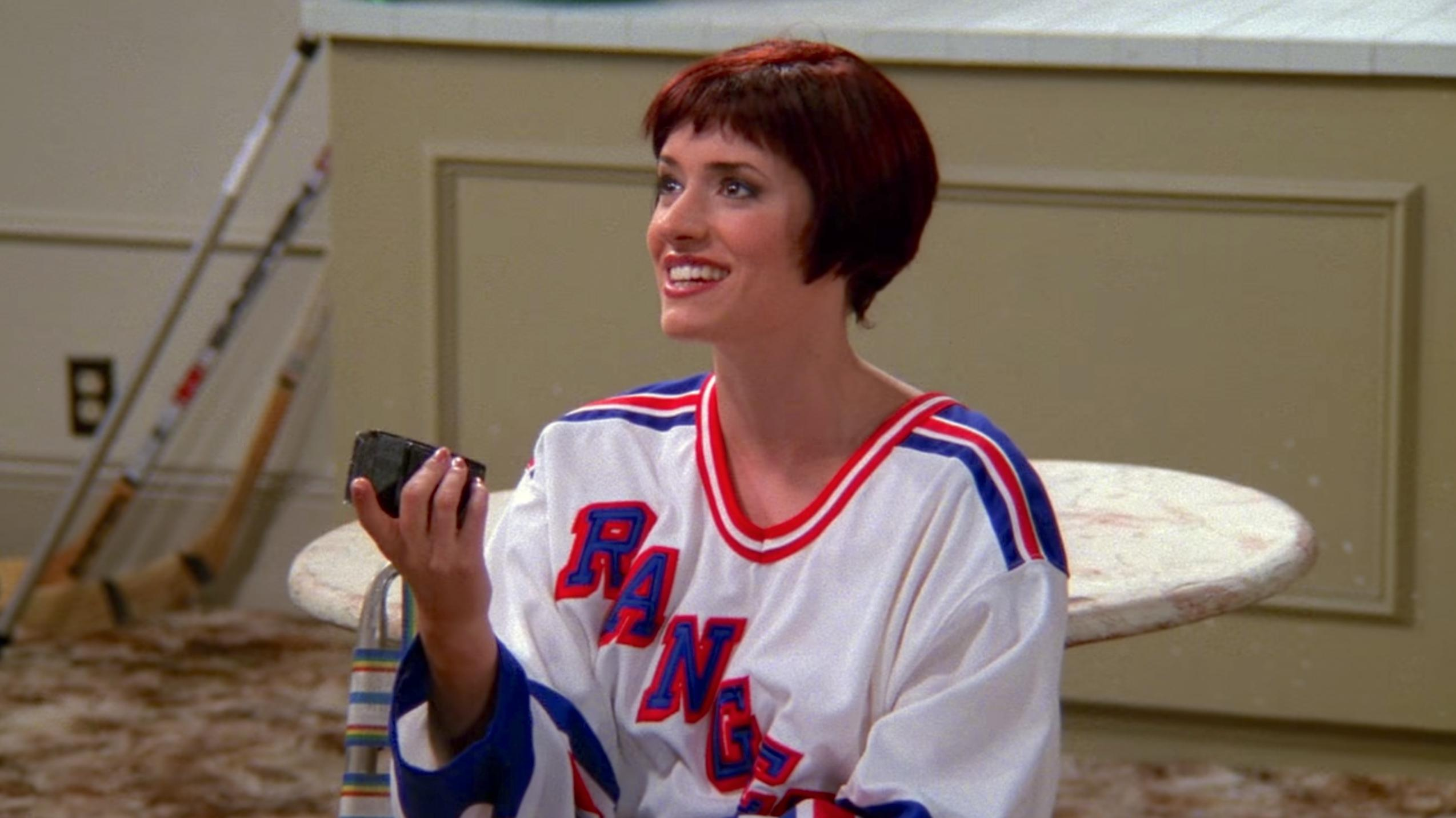 friends guest star paget brewster hot brunette short hair