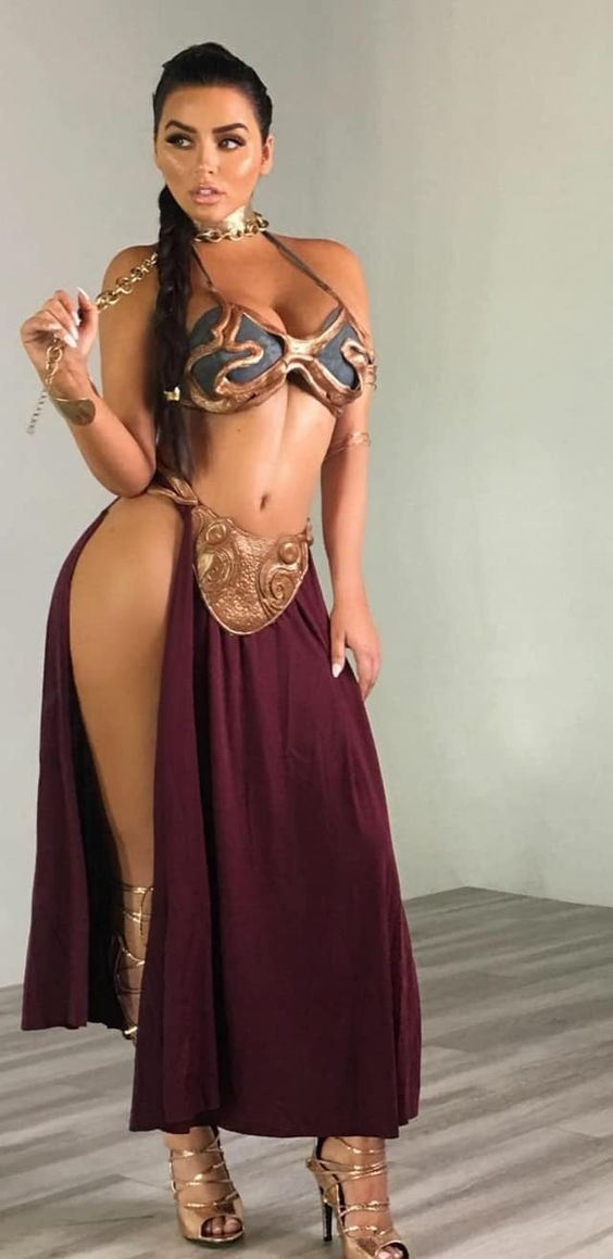 super hot latina babe dressed up as princess leia