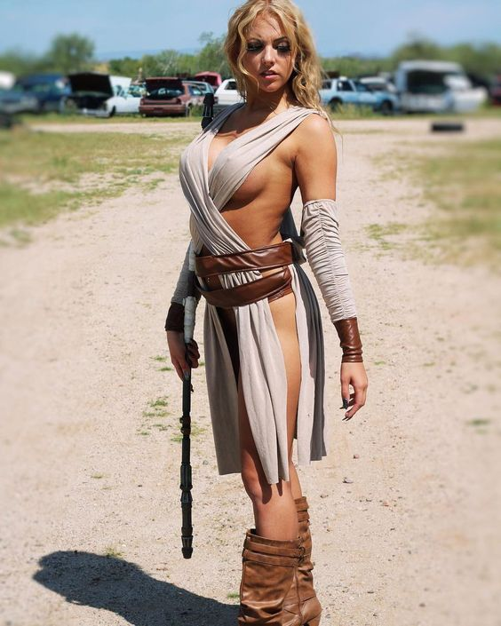 super hot babe dressed as a jedi master
