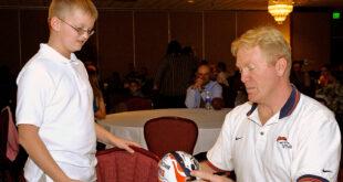 Karl Mecklenburg signing autograph