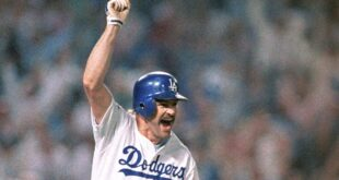 Kirk Gibson's pinch-hit HR wins World Series game