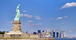 NY skyline and Statue of Liberty