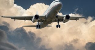 jet preparing to land