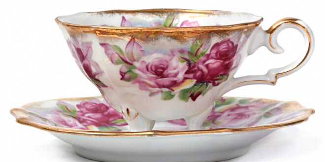 Tea cup with roses