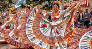 Mexican dancers in parade
